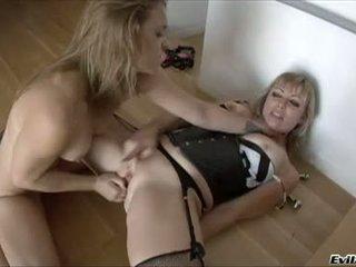 Adrianna Nicole And Kirra Lynne Love Ass Stretching