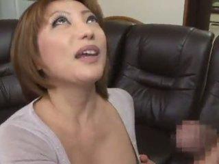 Açık am ve baharatlı çıplak değil reiko kagami giving bir kısa saç manyetikler