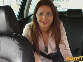 Pretty amateur pays sex for taxi ride