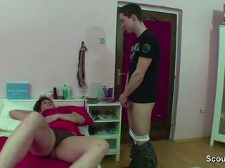 Mama zasačeni nemke fant metanje ko wake up in dobili jebemti