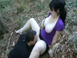 Dobrý jebanie v les video