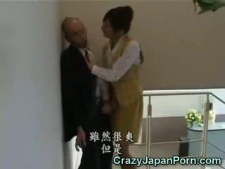 Божевільна мастурбація в tokyo офіс!