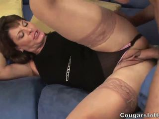 Hot mom aku wis dhemen jancok hoe sucks her sons friends big boner