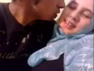 Akrobatik dubai kısa saç hijab islak gömlek becerdin en ev - desiscandal.xyz