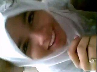 Khá indonesia cô gái gives blowjob