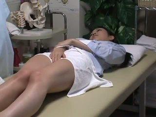 Spycam reluctant дружина has веселощі з the masseur