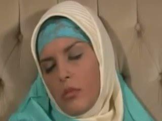 Horney arab flicka