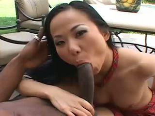 Beautiful asian Niya gets sperm all over her face