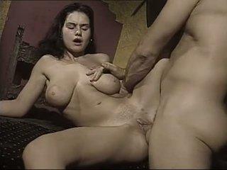 La angelical italiana Nicoletta Axin