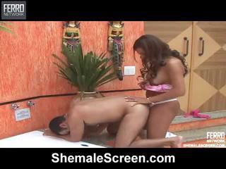 Mescolare di hardcore sesso clip da shemale schermo