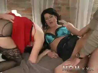orgasme, préliminaires, brunes