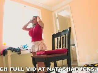 Natasha ดี - changing ห้อง บน ชุด