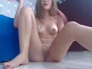 फुहार, वेबकैम, छोटे स्तन