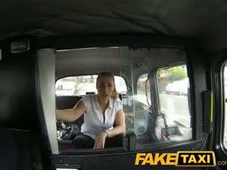 Faketaxi neslušné polícia žena v taxi človek payback
