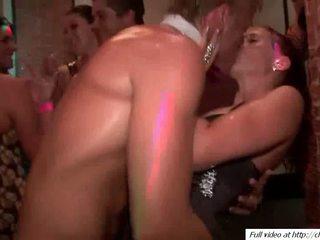 Kåt guys knulling babes pussys video