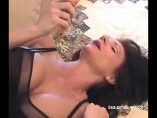 Deauxma секси masturbation