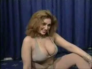 Pakistani bigboobs aunty ihualasti dance sisse tema magamistuba