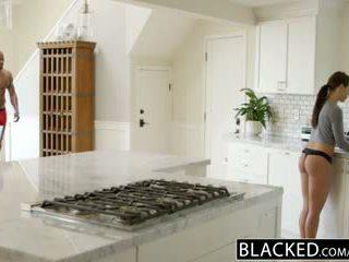 Blacked 여자 친구 adriana chechick cheats 와 a 거대한 검정 수탉