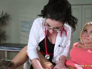 S aaliyah láska s regular physician retiring ona