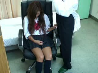 Spycam uczennica misused przez doktor 3