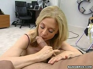 Sensuous momma nina hartley sits onto ei heated muff pie onto o sausage ca o dissolute vacara