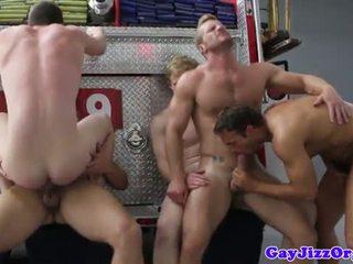 Charlie roberts rumpe knullet på brann truck