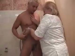 vecenīte, duša, tauku ass