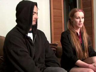Darby daniels-parole oficial gets knocked fuera por parolee