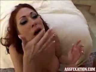 Tiffany mynx needs upang maging fed