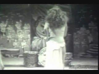 Cổ điển kỳ lạ dancer