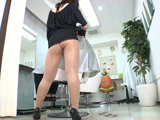 Reiko nakamori sexy barber em collants