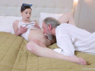 Стар goes млад - това стар goes млад guy admired lenka's