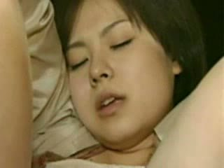 Māte un meita going trough horror - trakas japānieši sūdi video