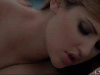 ideal mencium lebih, dalam talian lisan semua, gadis pada gadis