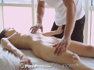 Pornpros - 热 亚洲人 beauty elana dobrev gets 一 性感 擦 向下
