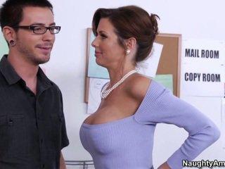 Learning à partir de son gros seins boss