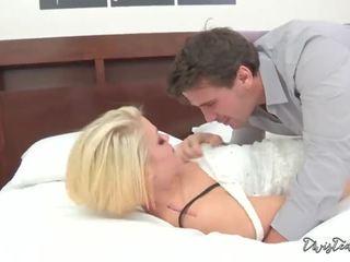 大雞巴, 作嘔, 面對他媽的