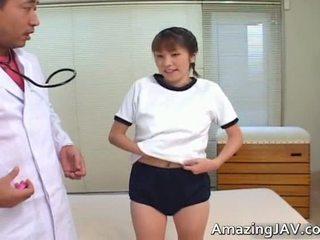 Seksi warga jepun gadis menghisap beliau doktors