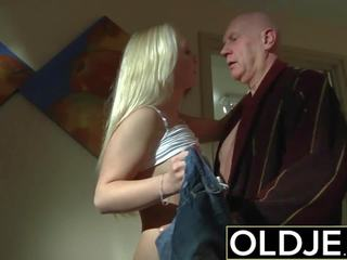Uzbudinātas rīts sekss vecs jauns porno draudzene gets fucked