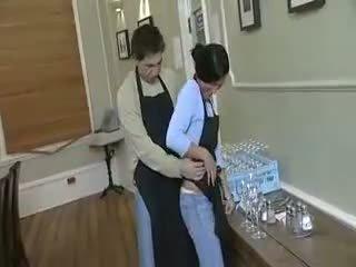 Dishwasher wants die kellnerin