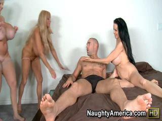 prsia, hardcore sex, fajčenie