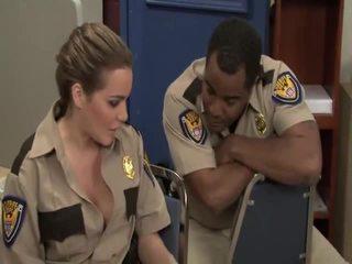 단단한 포르노를 trailer reno 911 bobbi starr, jada 화재, jessica lynn, natasha 좋은, sophie dee, stephanie cane, violet monroe