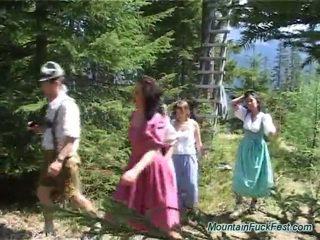 Foresters と 簡単に dolls having imbecilic チーム ポルノの インサイド オープン 空気