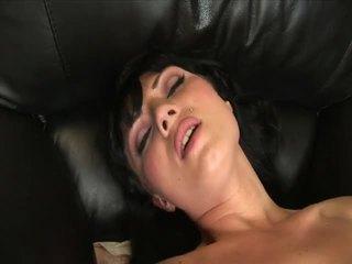 Ava rose masturbates mit ein schön groß dildo