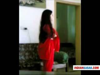 Indiana desi polícia homem enjoying com sua gf em casa por pornraja