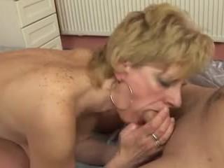 Một số hơn trưởng thành saggy tits
