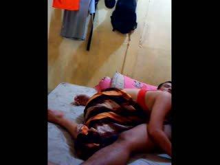 印度尼西亞 孩兒 had 她的 的陰戶 licked 和 fingered