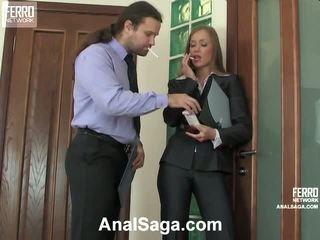Diana lesley anal pasangan di tindakan