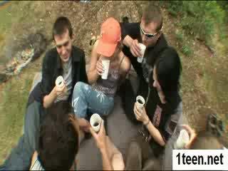 Alluring teenie getting gaped kemény
