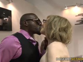 Nina hartley fucks svart guys til votes